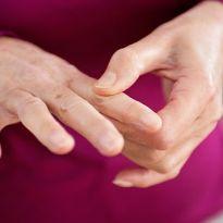 Почему немеют пальцы рук ночью причины 72