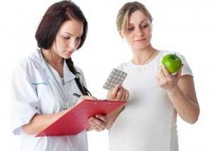 врач и беременная девушка