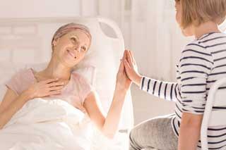женщина после химиотерапии